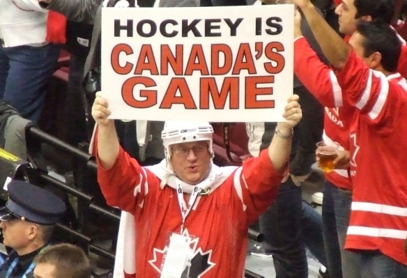 Team_Canada_fan_at_women's_ice_hockey_gold_medal_game_-_US_vs._Canada_at_2010_Winter_Olympics_2010-02-25