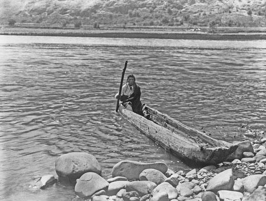 nez_perce_canoe_2