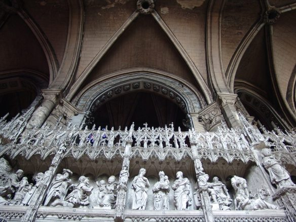 chartres_cathedral_interior_choir02